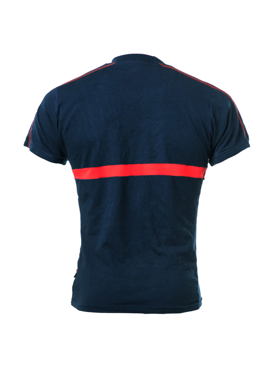 camiseta de manga corta con banda roja
